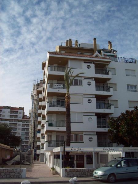 Apartamentos Papa Luna 3000