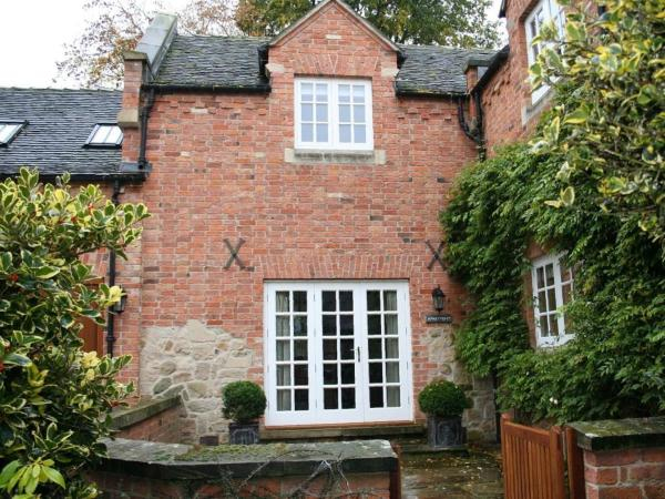 Dbs Serviced Apartments in Castle Donington, Leicestershire, England