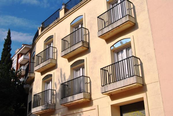 Apartaments AR Monjardi