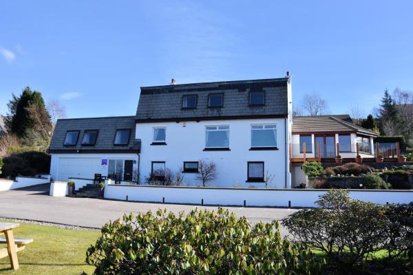 Lochview House Apartment in Fort William, Highland, Scotland