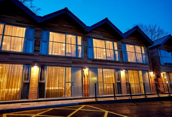 The Boathouse Inn & Riverside Rooms in Chester, Cheshire, England