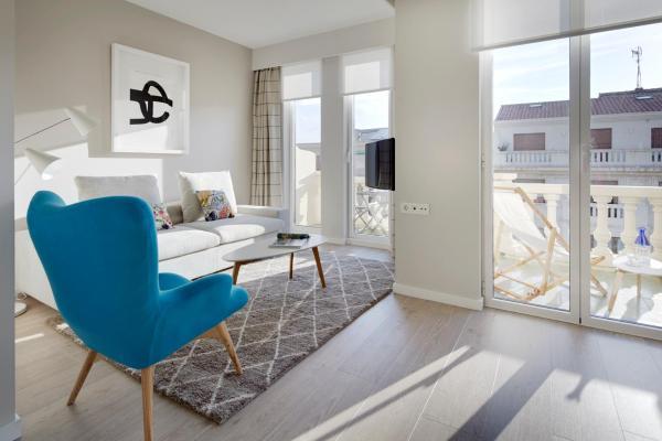Jai Alai Beach Apartment by FeelFree Rentals