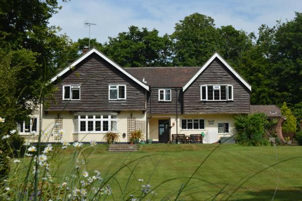 Little Forest Lodge in Ringwood, Hampshire, England