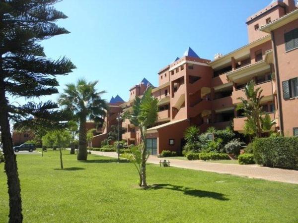 Reina Sofía Apartment