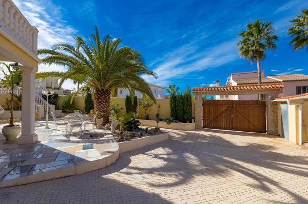 Two-Bedroom Apartment in Benissa with Pool II
