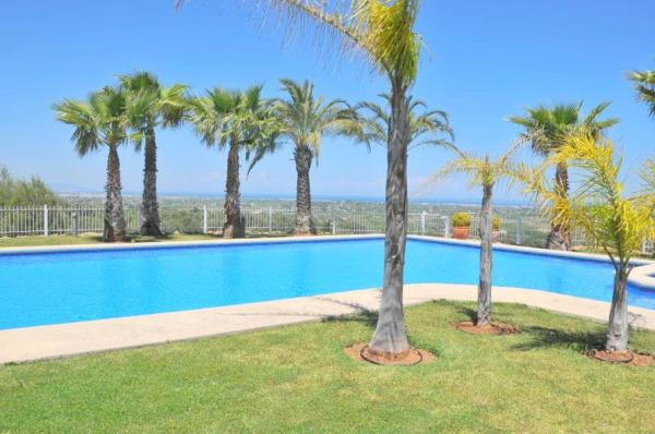 Three-Bedroom Apartment in Denia with Pool II