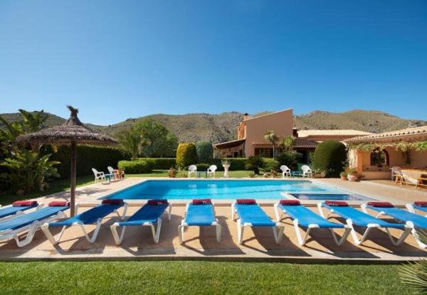 Six-Bedroom Apartment in Mallorca with Pool II