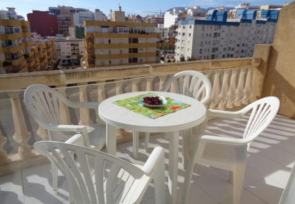 One-Bedroom Apartment in Alicante with Pool II