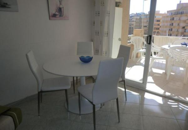 Two-Bedroom Apartment in Alicante with Pool XIV
