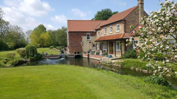 Watermill Farm Cottages in Metheringham, Lincolnshire, England