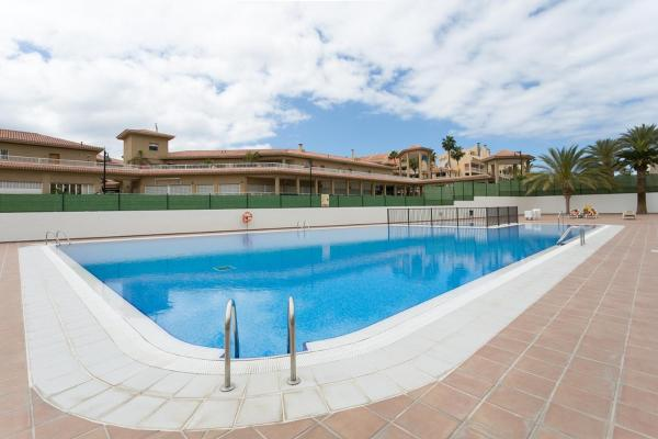 Apartment on Playa Fanabe Torres Del Sol