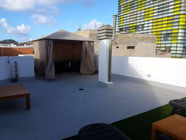 Beach Apartment & Rooftop Lounge