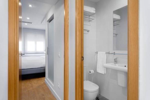 Home Art Apartments