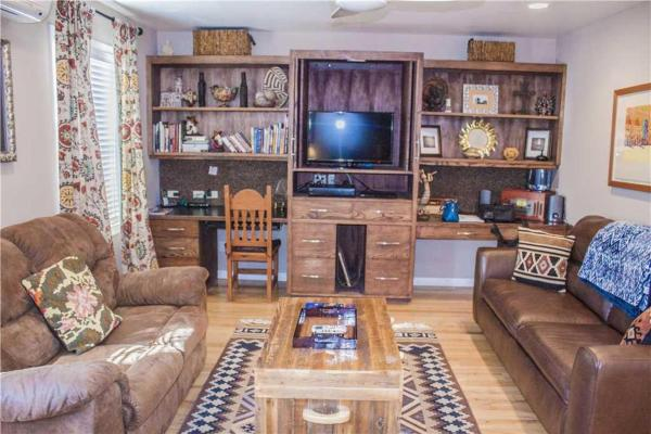 Catch The Wind Three-bedroom Holiday Home