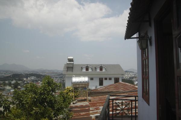 Sunny and Cozy Annia's House