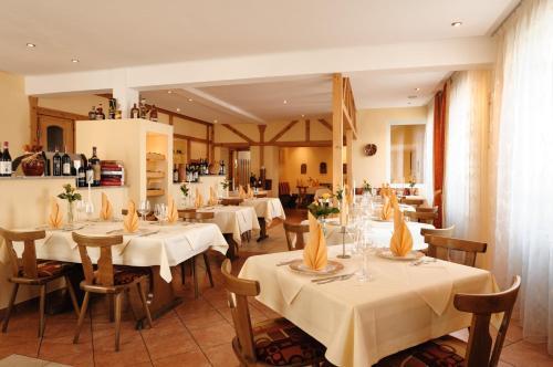 Hotel Restaurant Neustadt Weinstra Ef Bf Bde