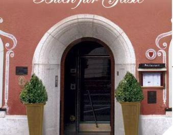 Hotel Kronprinz Von Bayern Wunsiedel Low Rates No Booking Fees