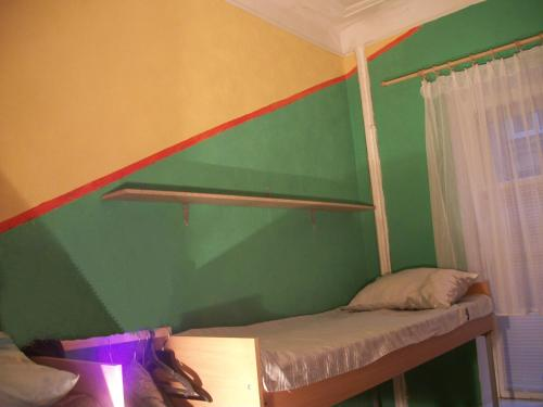 Bed in 6-Bed Dormitory Room (Female)
