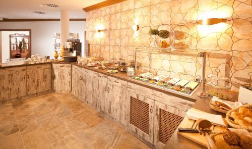 hotel rmerstadt in gersthofen auf staedte. Black Bedroom Furniture Sets. Home Design Ideas