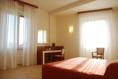 Relais Amadeus hotel Firenze | Low rates. No booking fees.