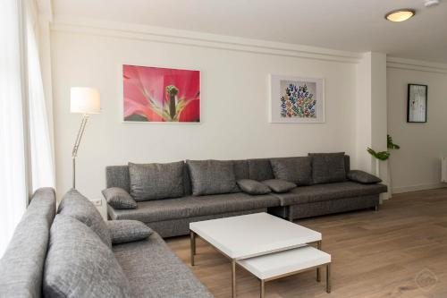 Two-Bedroom Apartment Goudsbloem II
