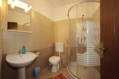 Çift Kişilik Özel Banyolu Oda (Double Room with Private Bathroom)