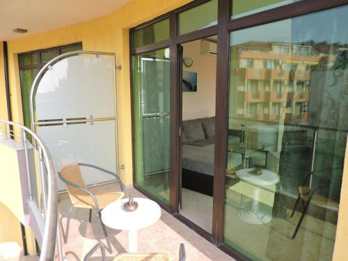 Suite mit 1 Schlafzimmer und Balkon - kostenfreies WLAN (One-Bedroom Suite with Balcony - Free WiFi)