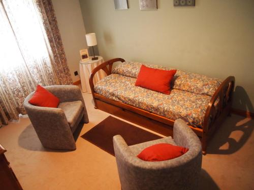 Twin Room with Seating Area (2 Adults + 1 Child)