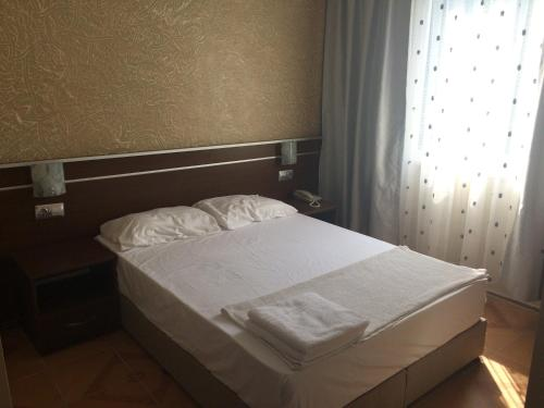 Habitació Doble amb Balcó (2 Adults + 1 Nen) (Double Room with Balcony (2 Adults + 1 Child))