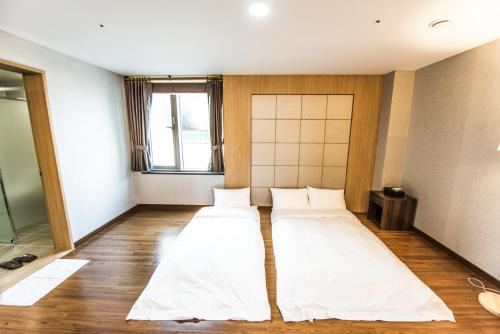 Korean-Style Suite Double Room