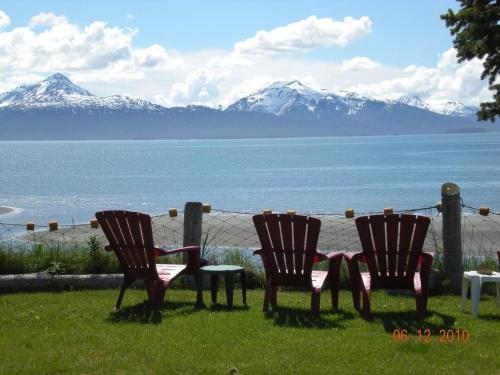 Alaska Beach House Bed And Breakfast Photo