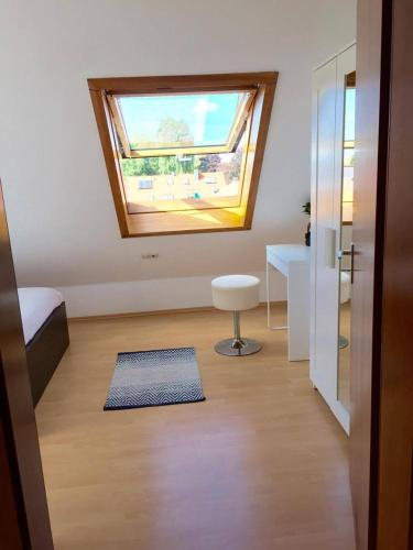 Sunny room near Stuttgart City Center and Airport & Fair