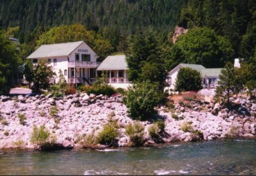 Downieville River Inn Resort Hotel Low Rates No Booking Fees
