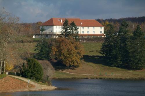 Hotel De La Tour Blanche St Yrieix