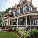 Fredericton Playhouse Hotels - Carriage House Inn