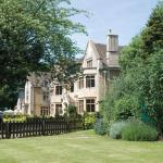 Hotels near National Arboretum - The Hare & Hounds Hotel
