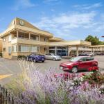 Hotels near Okanagan College Kelowna Campus - Siesta Suites
