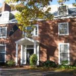 Farnam Guest House
