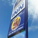 Hotels near Beaverlodge Community Centre - Sidetrax Inn