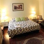 Toronto Garden Inn Bed & Breakfast
