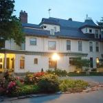 Cessna Stadium Hotels - Wellington Place Inn