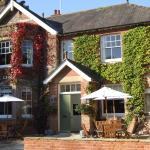 Larmer Tree Gardens Hotels - King John Inn