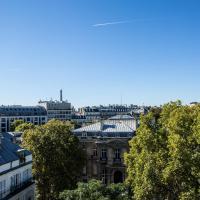 Royal Garden Champs Elysees