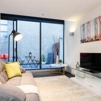 Complete Host AquaLuna Apartments
