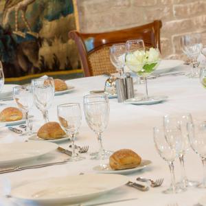 Hotel Restaurant Le Dauphin Et Le Spa Du Prieure Photos