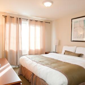 Beausejour Hotel Apartments/Hotel Dorval QC, 0