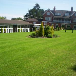 Hotels near Hare and Hounds Birmingham - The Beeches