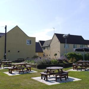 Long Marston Airfield Hotels - The New Inn Hotel