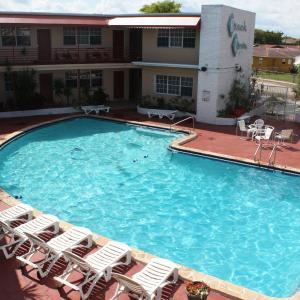Beach and Town Motel FL, 33020
