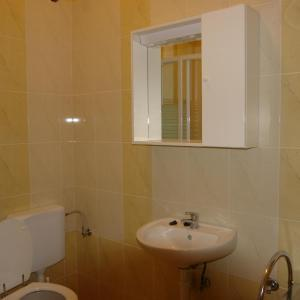 Bathroom Apartments Adria